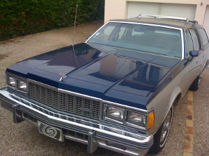 chevrolet-caprice-station-wagon-1979-small-1