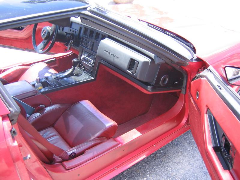 chervolet-corvette-1984-41