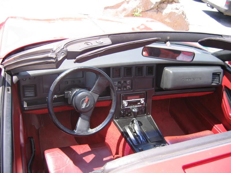 chervolet-corvette-1984-5